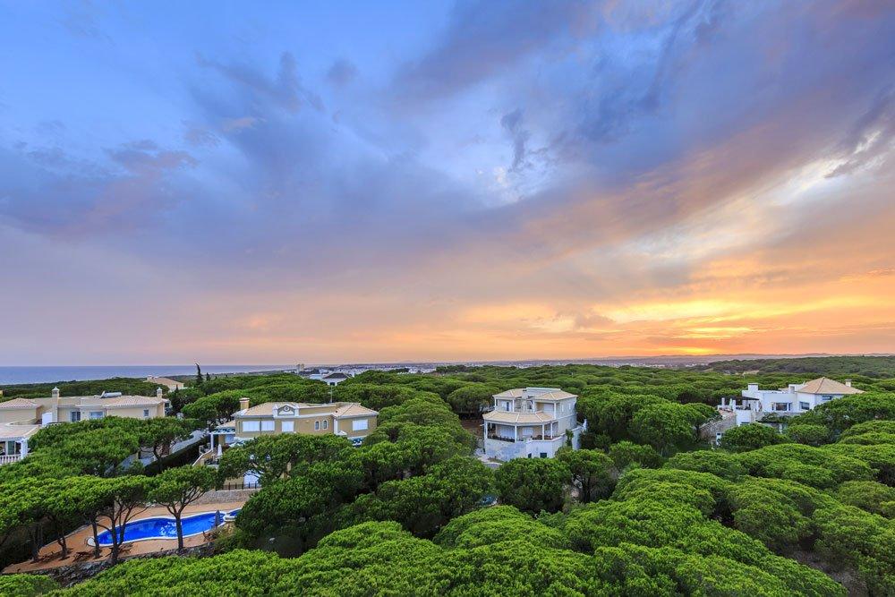 Golf-Gruppenreisen: Praia Verde Algarve (Hotel, Pinienwaelder)
