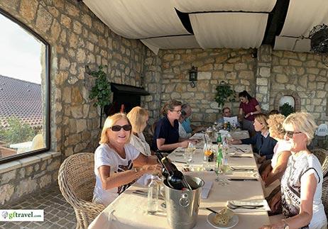 Golf-Gruppenreise-Bulgarien-Thracian-Cliffs-Black-Sea-Rama-Terasse-Dinner