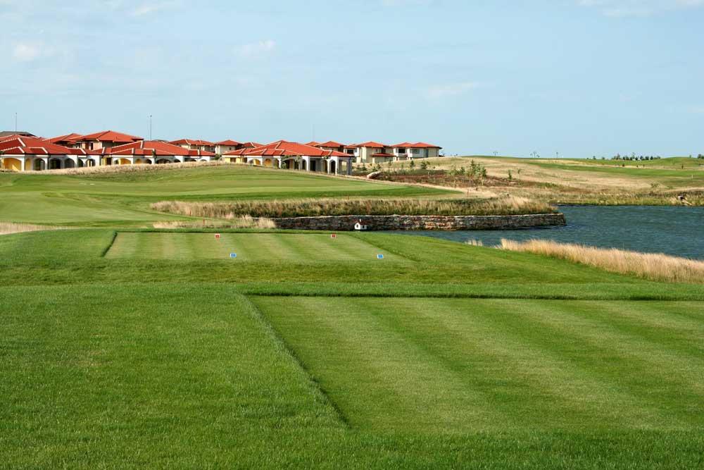 Golf-Gruppenreisen-Thracian-Cliffs-Lighthouse-GC
